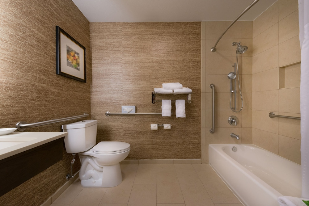 Bathroom, Holiday Inn Express Hotel and Suites Pasadena-Colorado Blvd, an IHG Hotel