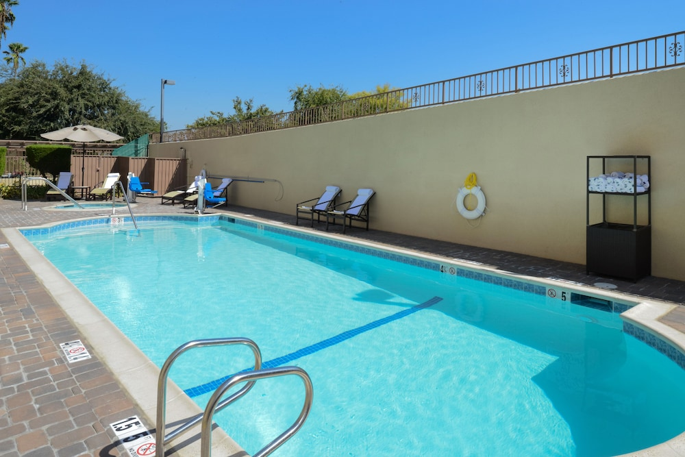 Pool, Holiday Inn Express Hotel and Suites Pasadena-Colorado Blvd, an IHG Hotel