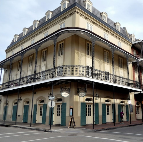 French Quarter Hotels >> Visit New Orleans Mint In French Quarter Expedia
