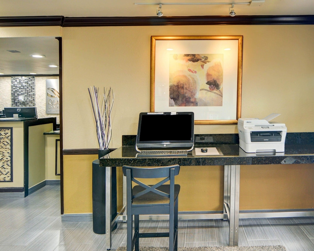Business Center, Quality Inn DFW Airport North
