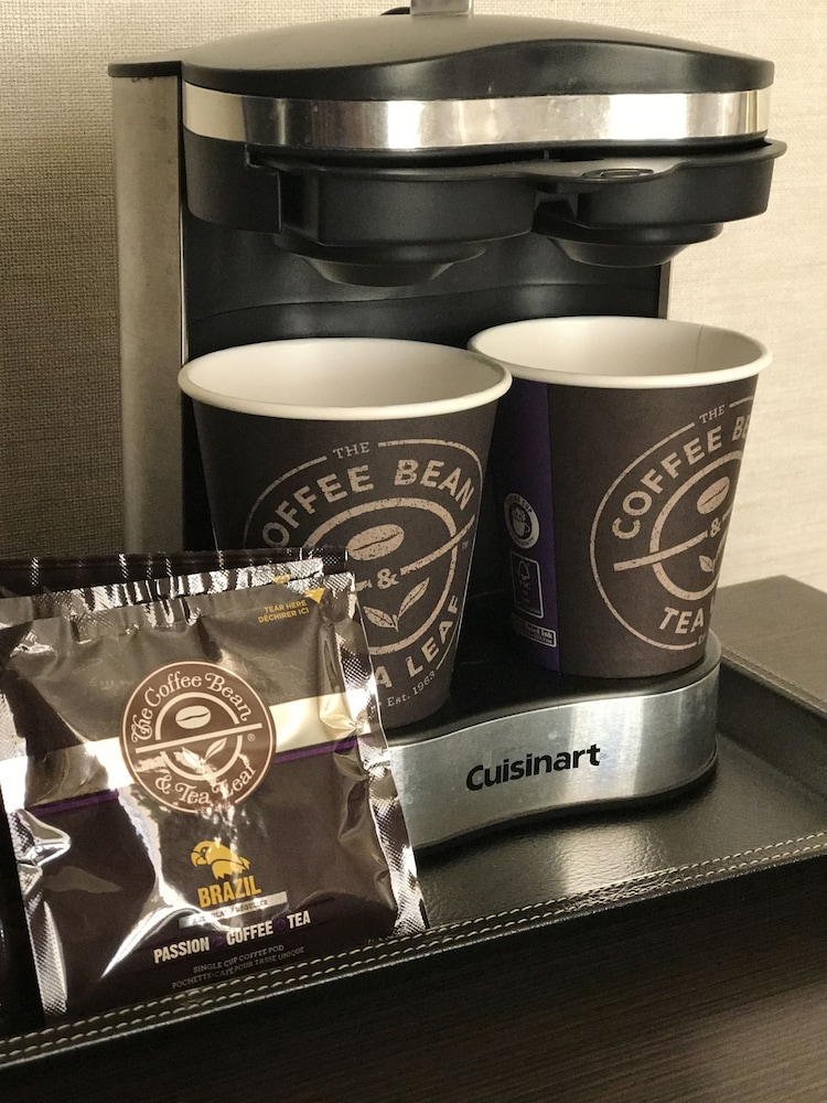 Coffee and/or Coffee Maker, DoubleTree by Hilton Hotel Los Angeles Downtown