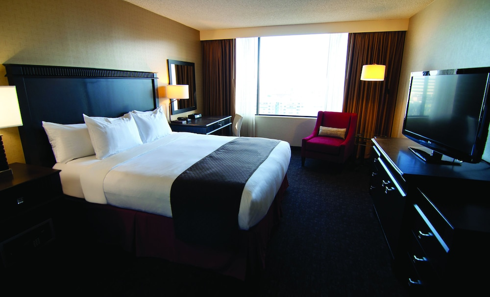 Room, DoubleTree by Hilton Hotel Los Angeles Downtown