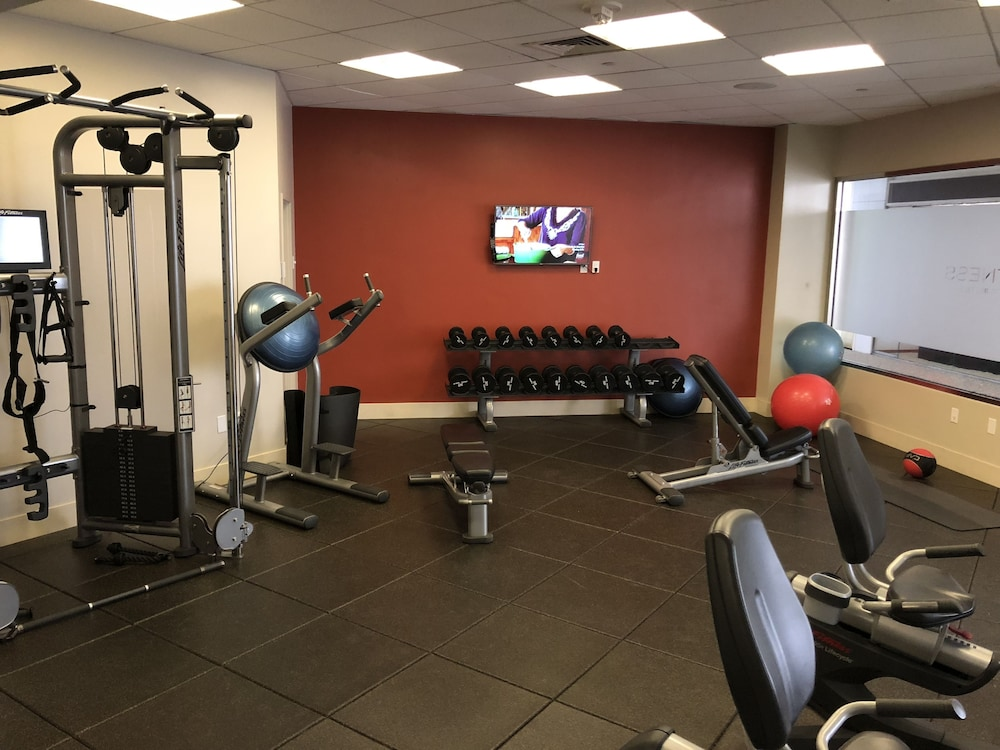 Gym, DoubleTree by Hilton Hotel Los Angeles Downtown