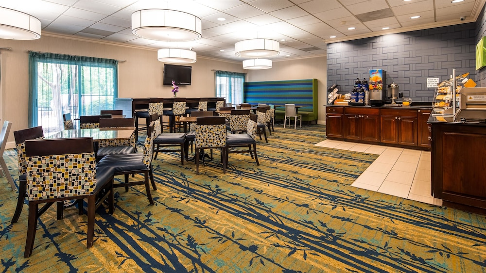 Breakfast Area, Best Western Raleigh North-downtown
