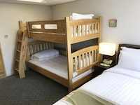 Family Room, 3 Twin Beds, Non Smoking (Bunk beds)