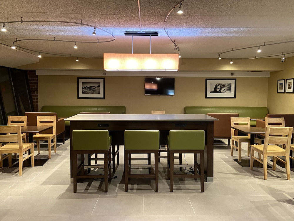 Dining, Country Inn & Suites by Radisson, Lincoln Airport, NE