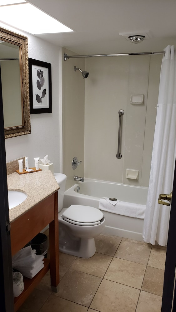 Bathroom, Country Inn & Suites by Radisson, Lincoln Airport, NE