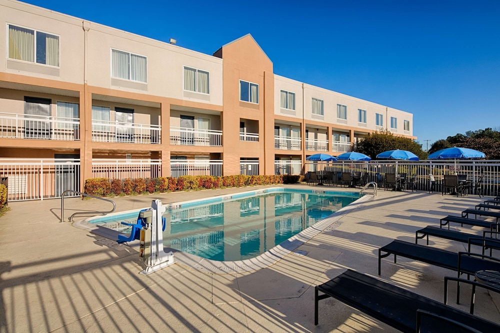Indoor/Outdoor Pool, Red Lion Inn & Suites Fayetteville at Cross Creek Mall