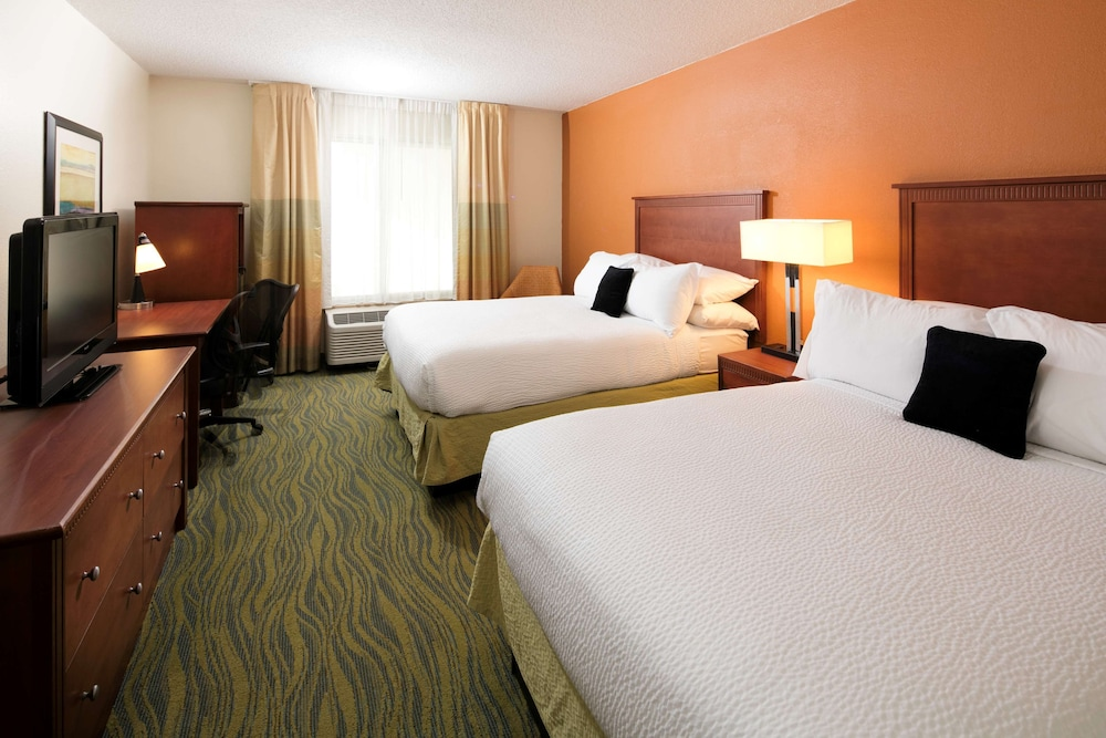 Room Amenity, Red Lion Inn & Suites Fayetteville at Cross Creek Mall