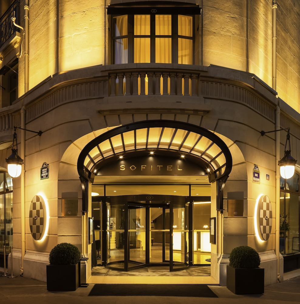 Property Entrance, Sofitel Paris Arc de Triomphe