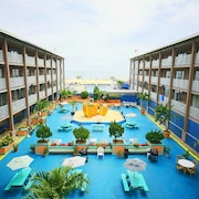 Flagship Oceanfront Hotel