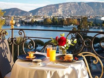 仕事でスイスのジュネーブへ行くのですが、レマン湖沿いの高級ホテルは?