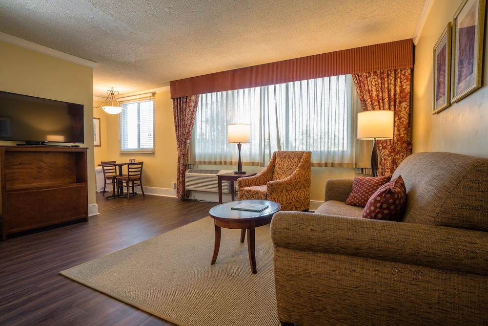 Featured Image, Park Lane Suites and Inn
