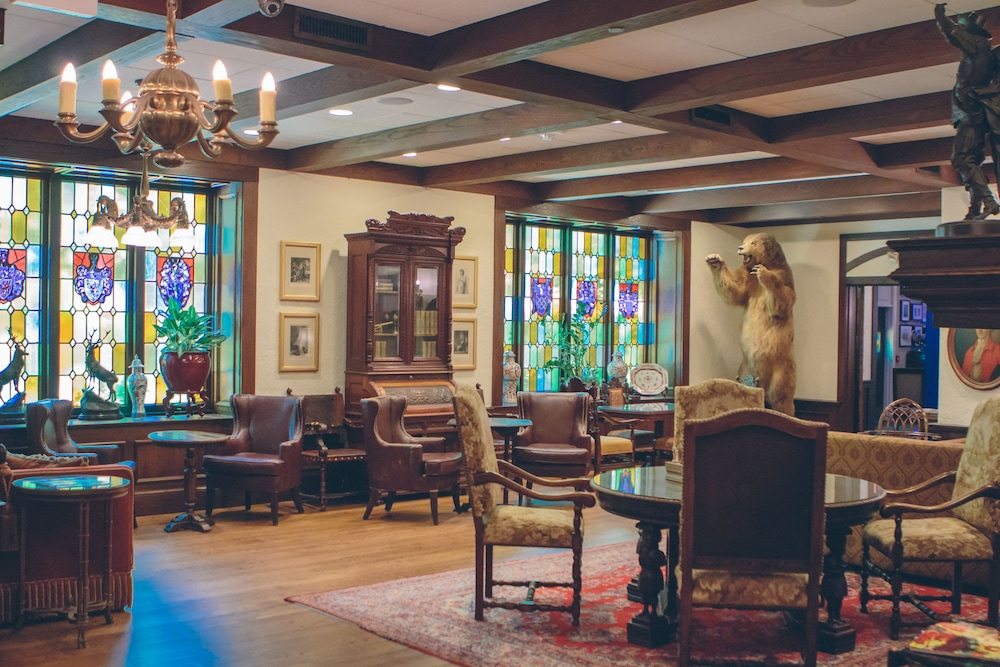 Lobby Lounge, The Cheshire