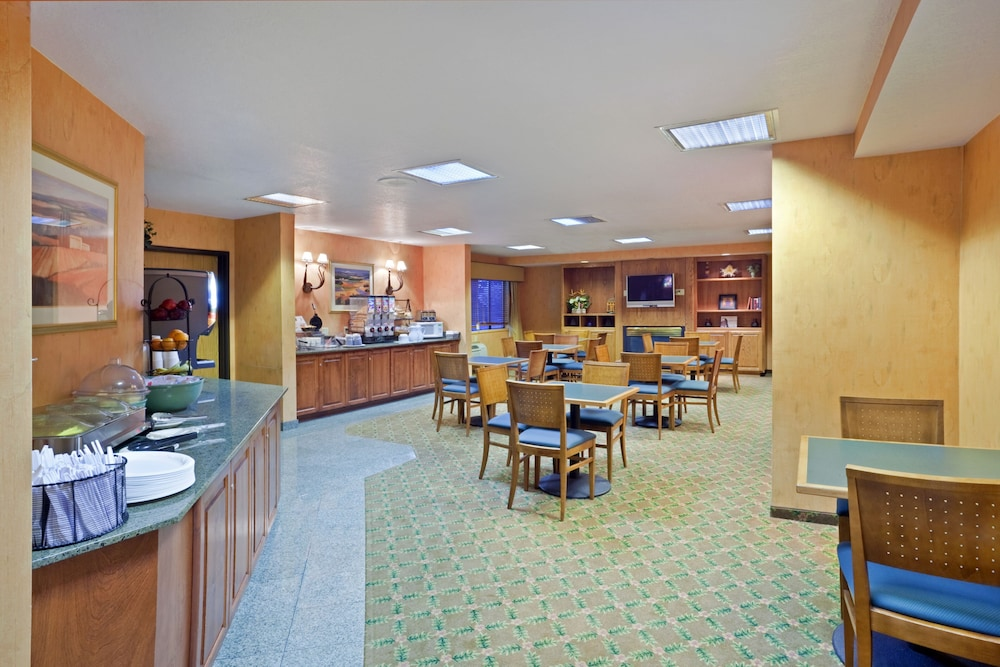 Dining, Ramada by Wyndham Kent Seattle Area