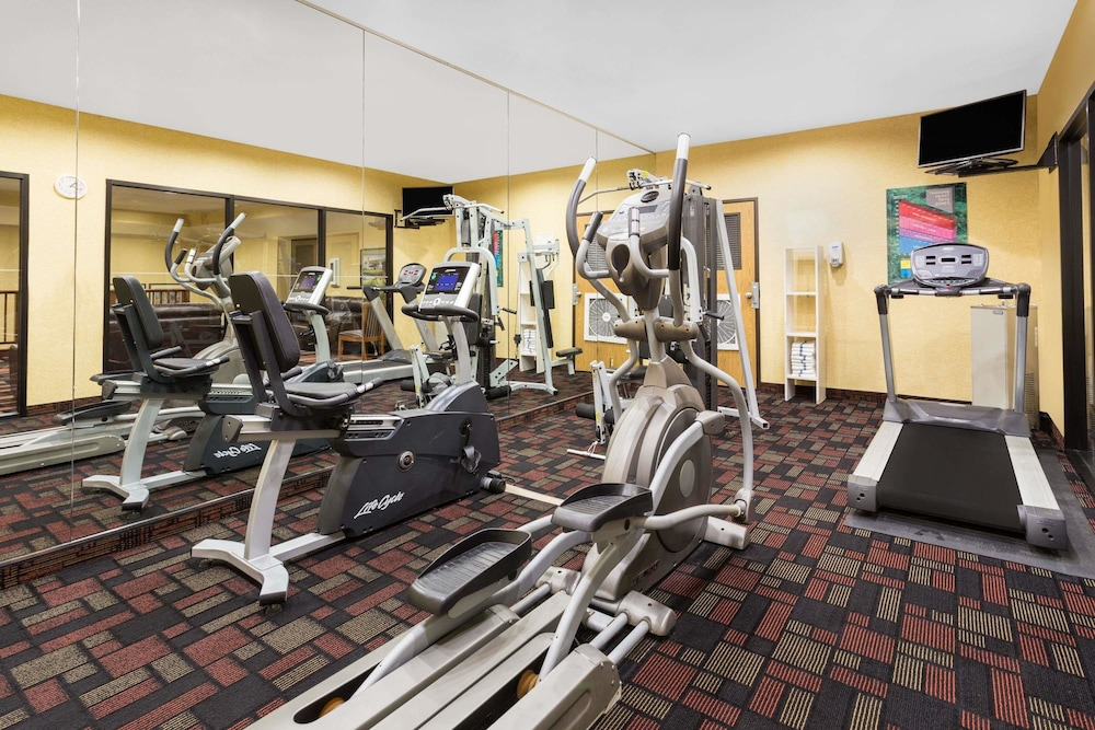 Fitness Facility, Ramada by Wyndham Kent Seattle Area