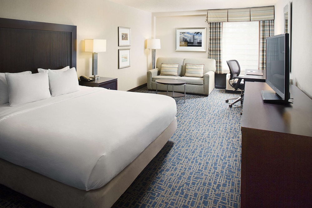Room, DoubleTree Hotel Baltimore - BWI Airport