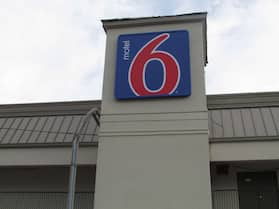 Motel 6 Brookhaven, MS