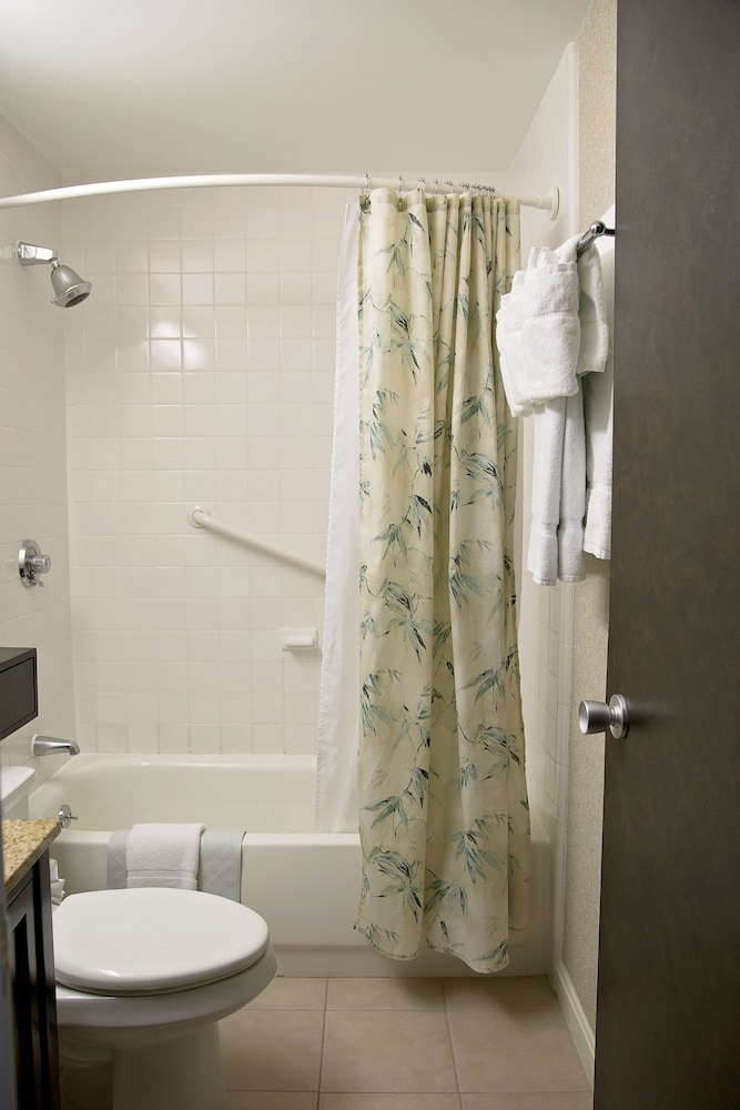 Bathroom, Best Western At Historic Concord