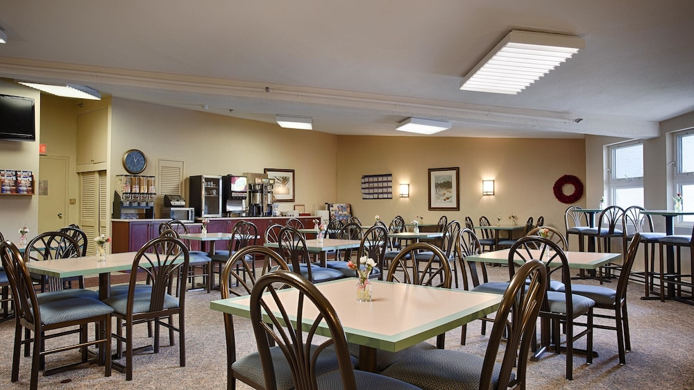 Breakfast Area, Best Western At Historic Concord