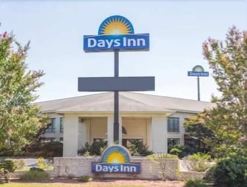 Days Inn by Wyndham Spartanburg Waccamaw