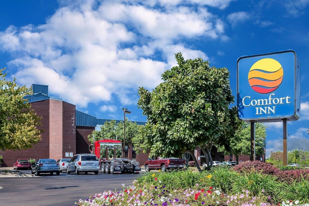 Exterior, Comfort Inn Hall of Fame