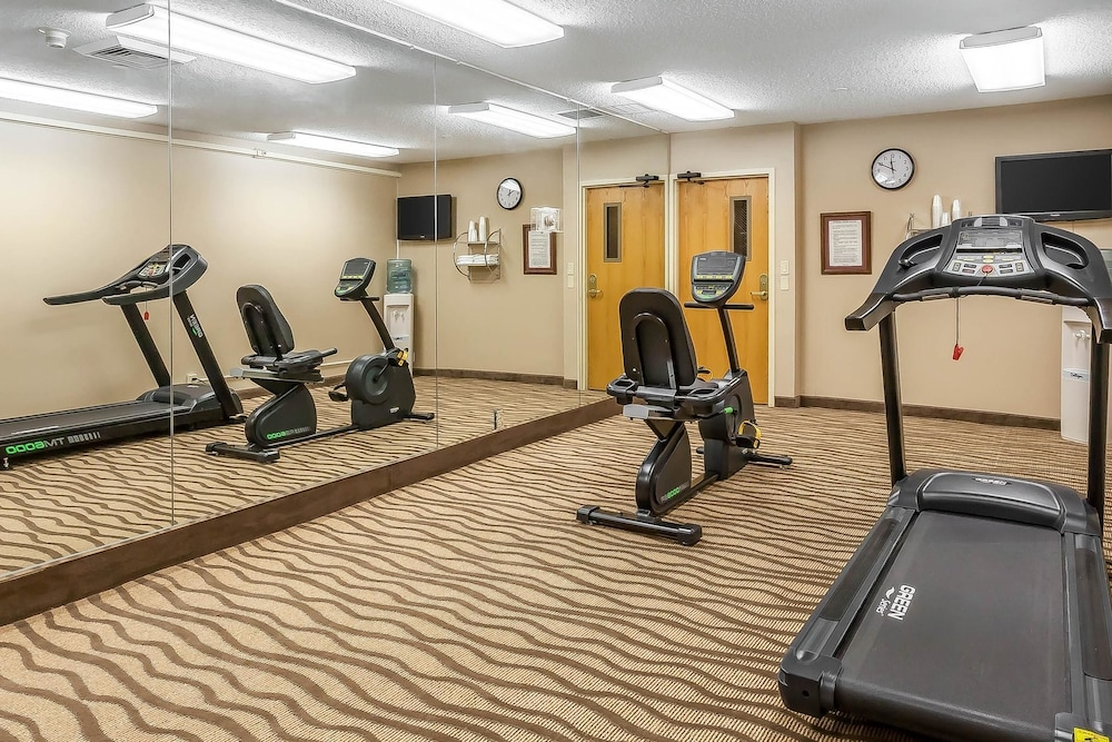 Fitness Facility, Comfort Inn Hall of Fame