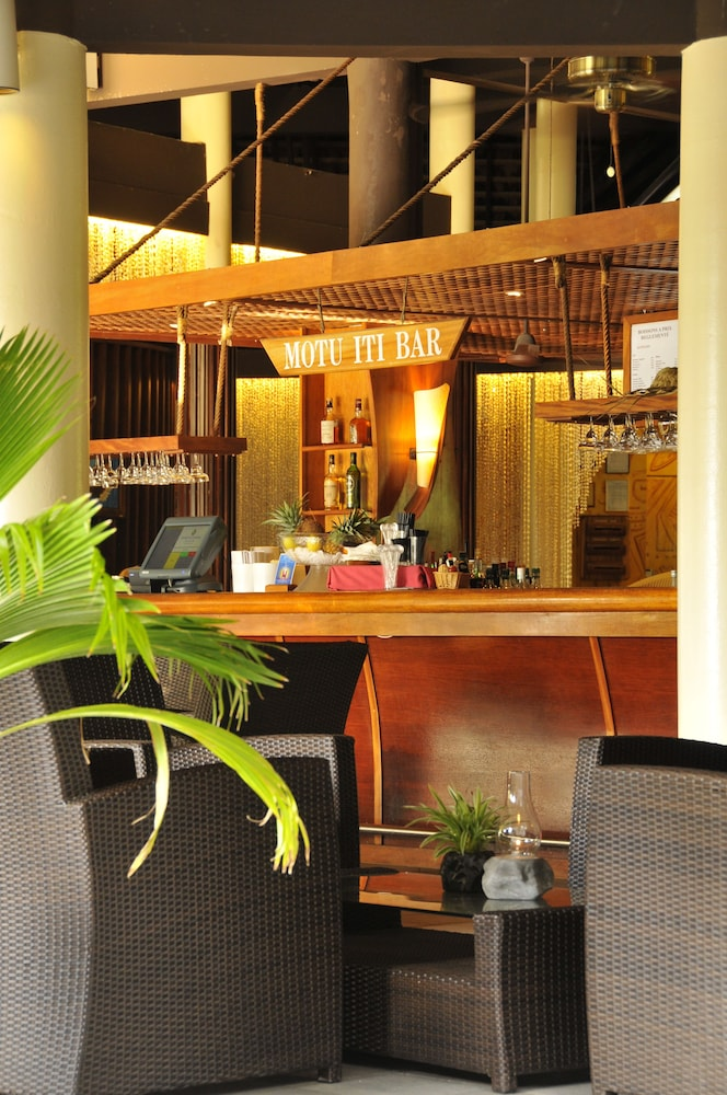 Bar, InterContinental Resort and Spa Moorea