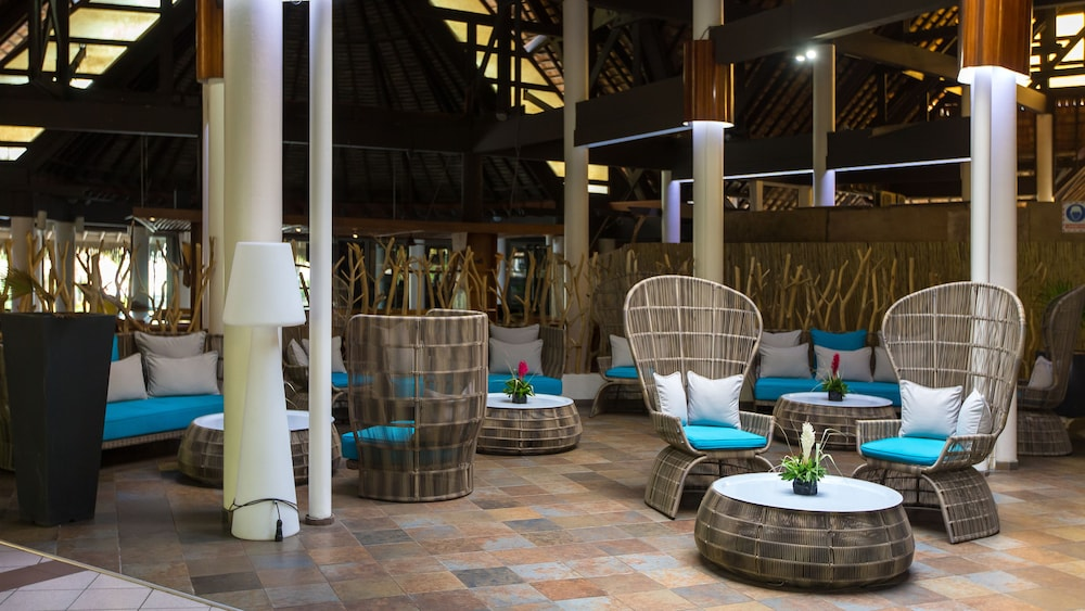 Lobby Sitting Area, InterContinental Resort and Spa Moorea