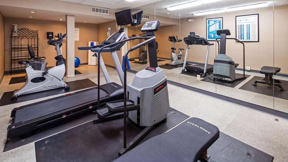 Fitness Facility, SureStay Plus Hotel by Best Western Kansas City Northeast