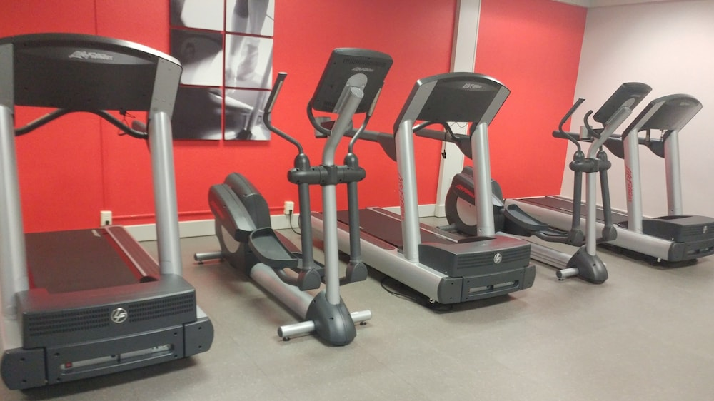 Fitness Facility, Radisson Hotel Louisville North