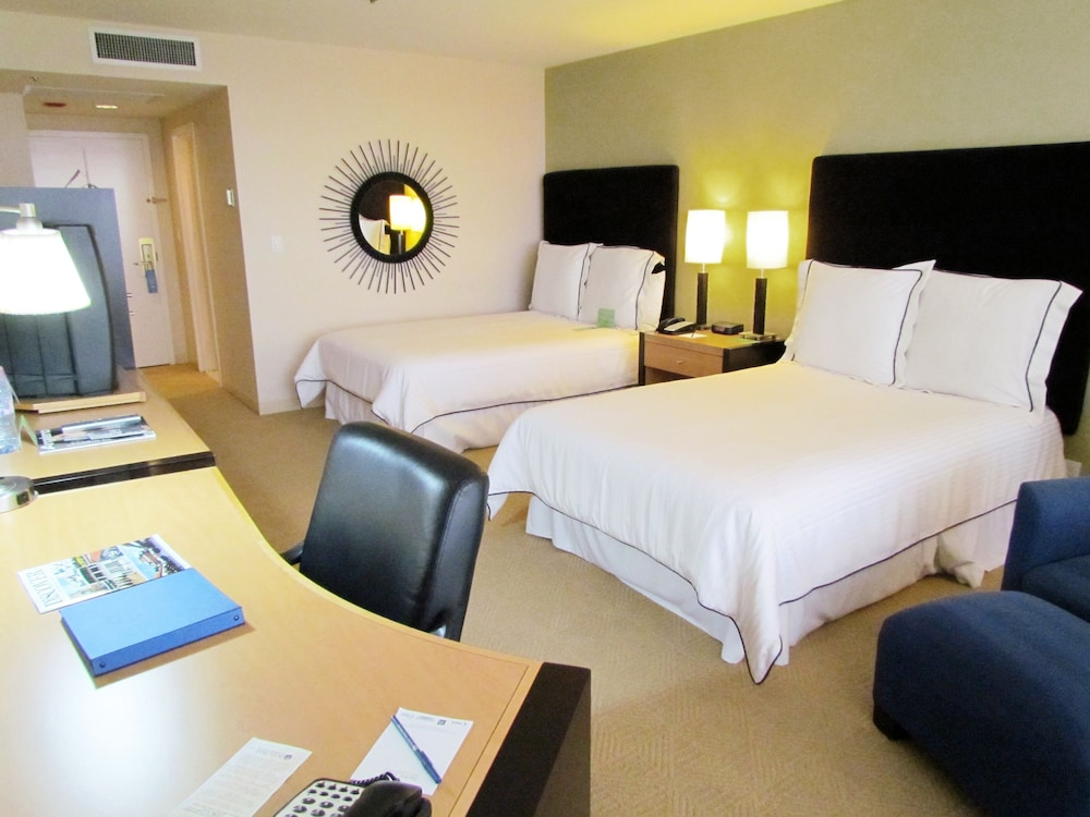 Room, Pacific Palms Resort