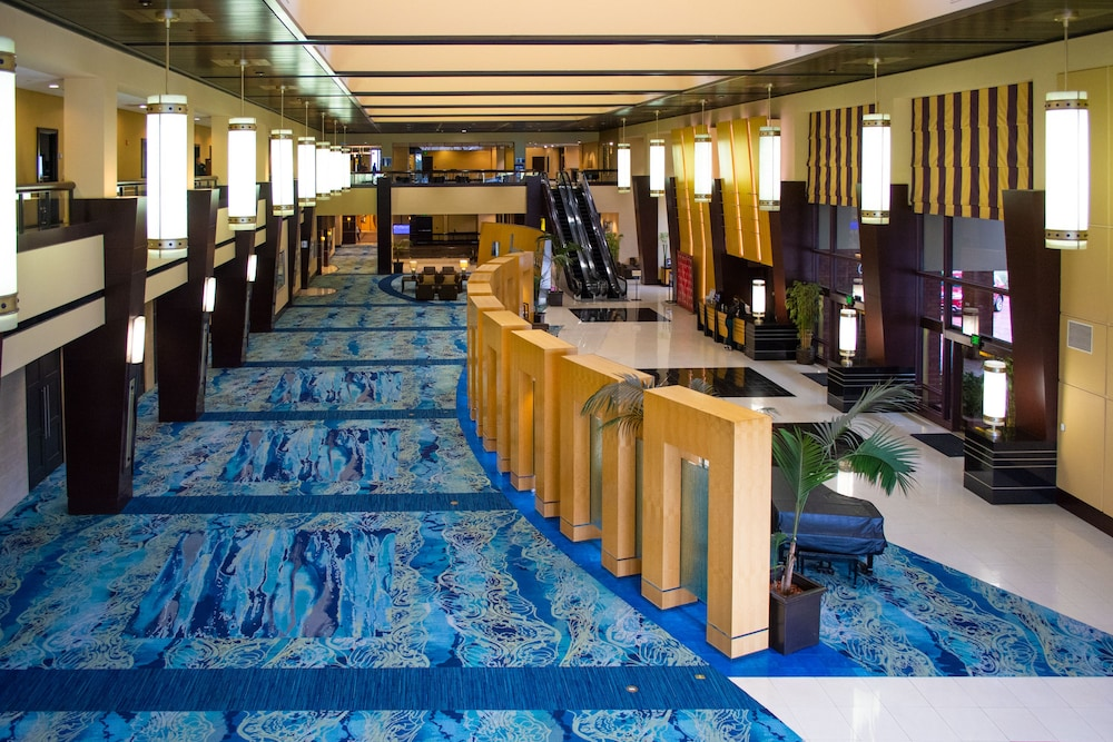 Lobby, Pacific Palms Resort