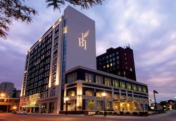 Hotel Blackhawk, Autograph Collection