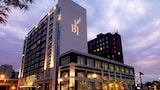 Hotel Blackhawk, Autograph Collection - Davenport Hotels