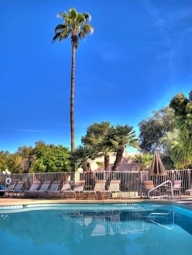Dobson Ranch Inn and Suites