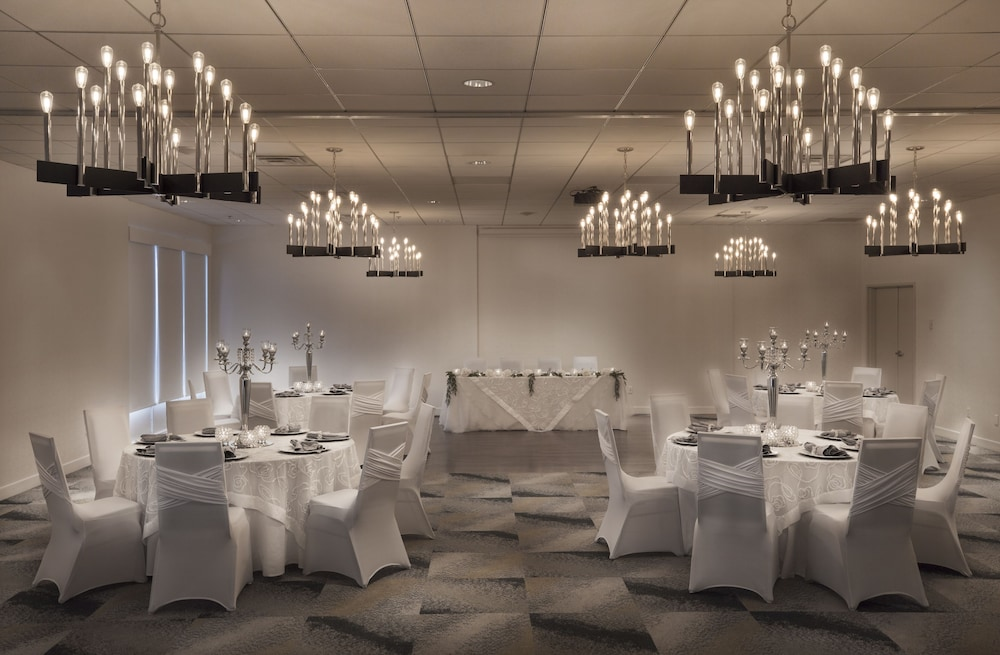 Banquet Hall, Holiday Inn Montreal Longueuil