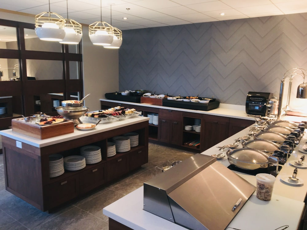 Restaurant, Holiday Inn Montreal Longueuil