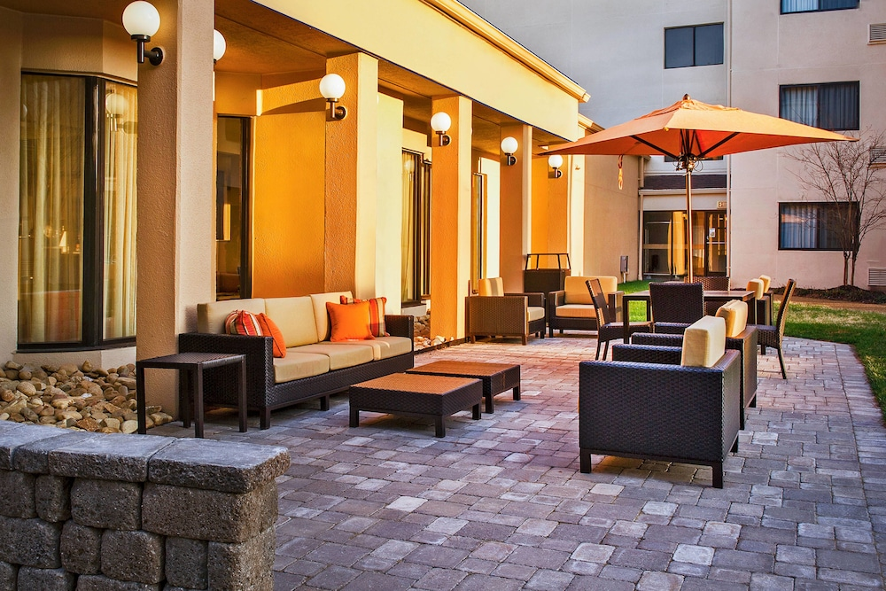 Featured Image, Courtyard by Marriott Hampton