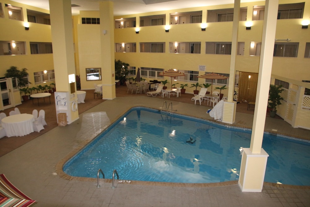 Indoor Pool, Bedford Plaza Hotel - Boston