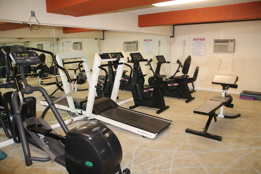 Fitness Facility, Bedford Plaza Hotel - Boston