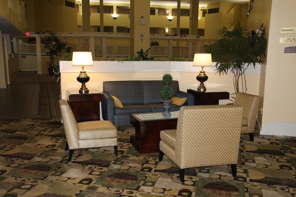 Lobby Sitting Area, Bedford Plaza Hotel - Boston