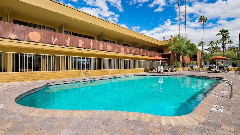 Pool, Best Western Royal Sun Inn & Suites