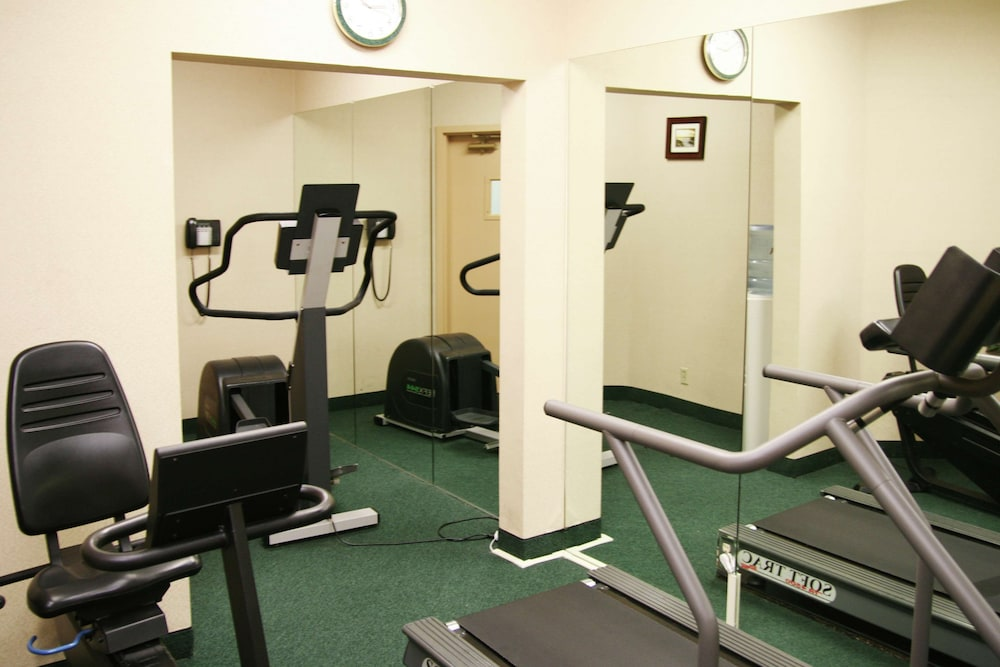 Fitness Facility, Hampton Inn and Suites Santa Ana/Orange County Airport