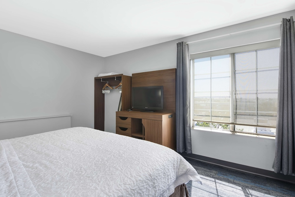 Room Amenity, Hampton Inn and Suites Santa Ana/Orange County Airport