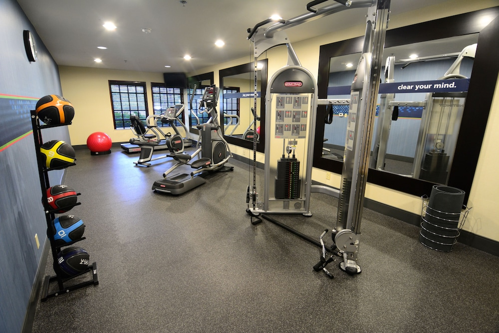 Gym, Hampton Inn and Suites Santa Ana/Orange County Airport
