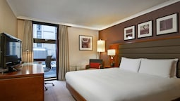 Hilton London Kensington 2019 Room Prices 111 Deals Reviews