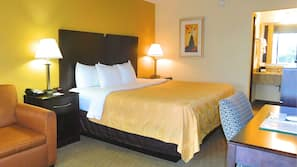 Premium bedding, in-room safe, iron/ironing board, free WiFi