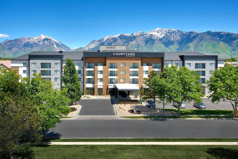 Courtyard by marriott sandy 2018 room prices from 99 deals featured image reheart Choice Image