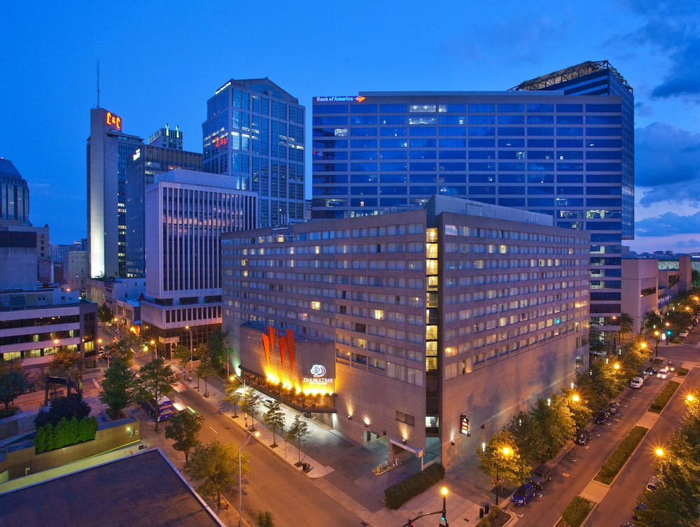 Book DoubleTree By Hilton Nashville Downtown